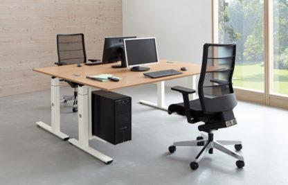 CREW-Schreibtisch-mit-CPU-Halter